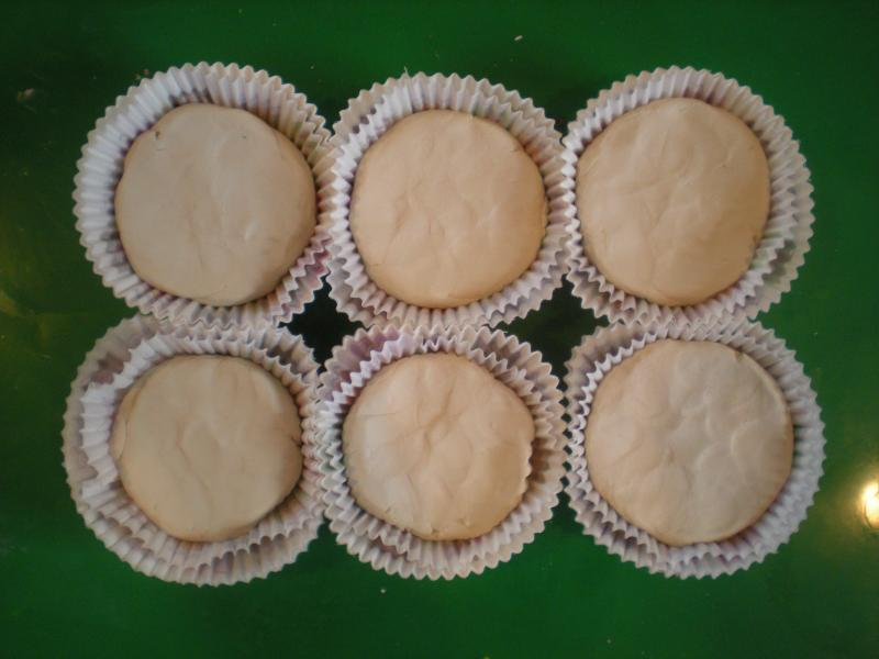 clay cupcakes - undecorated